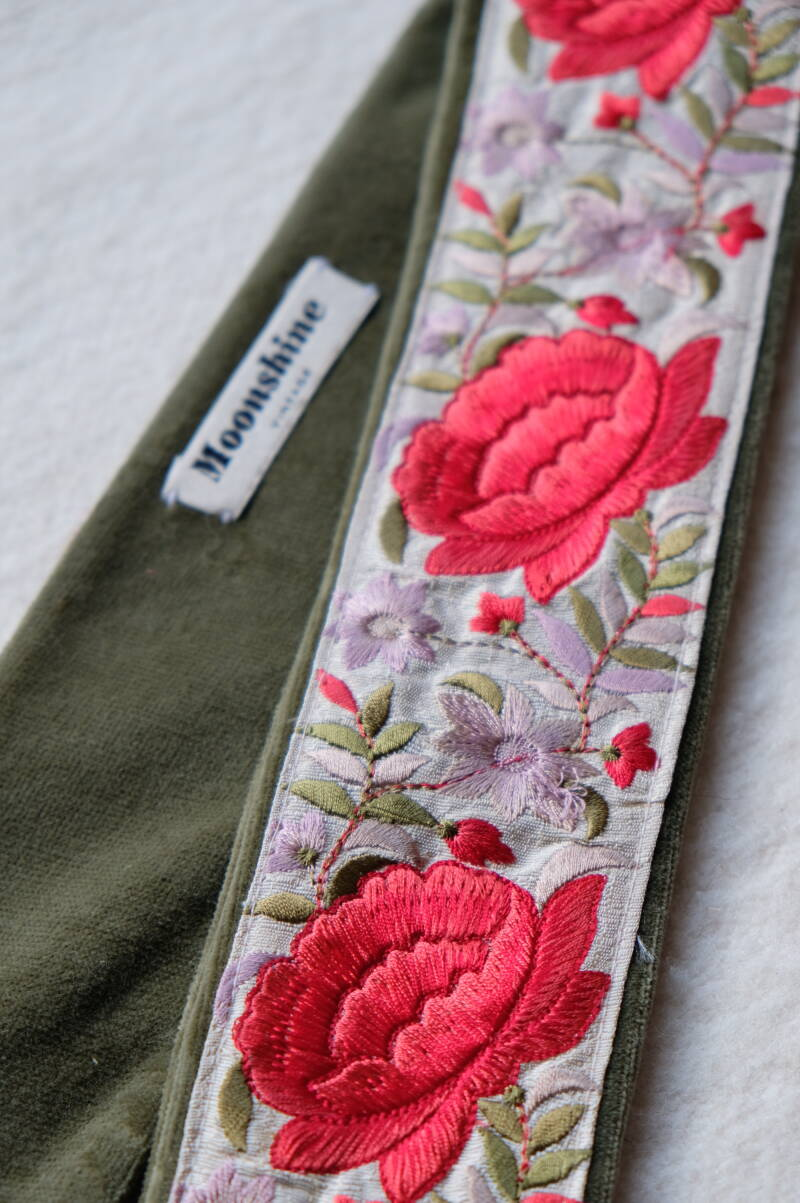 embroidered belt no.3