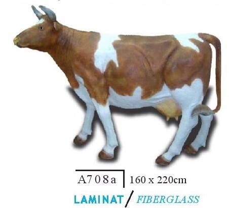 DHD K1 A708a koe levensgroot bruin wit polyester résine 165 x 220 cm