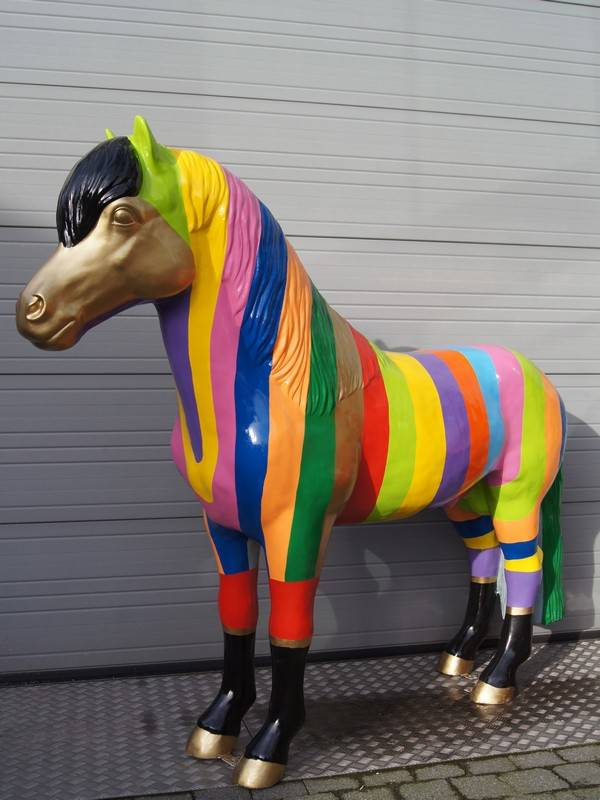DHD A1722 Pony staand streep multicolor polyester résine 160 cm