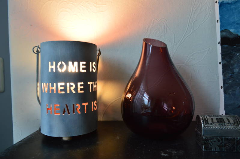"""Home is where the heart is"" tafellamp"