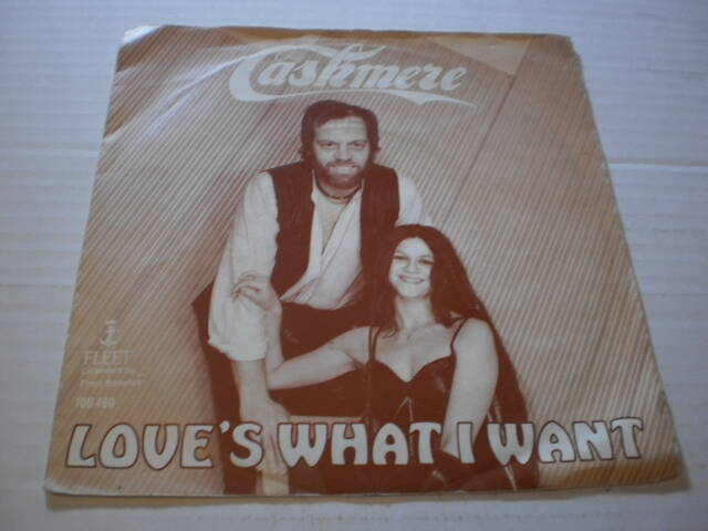 Single Cashmere - Love's what I want