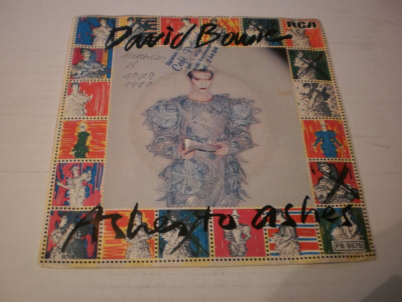Single David Bowie - Ashes to ashes