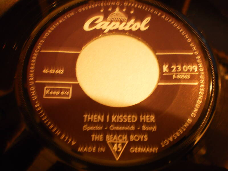 Single The Beach Boys - Then I kissed her