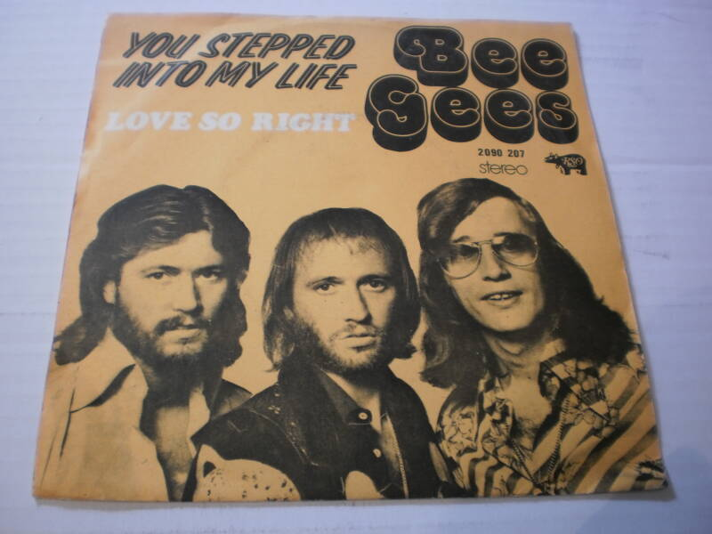 Single The Bee Gees - Love so right