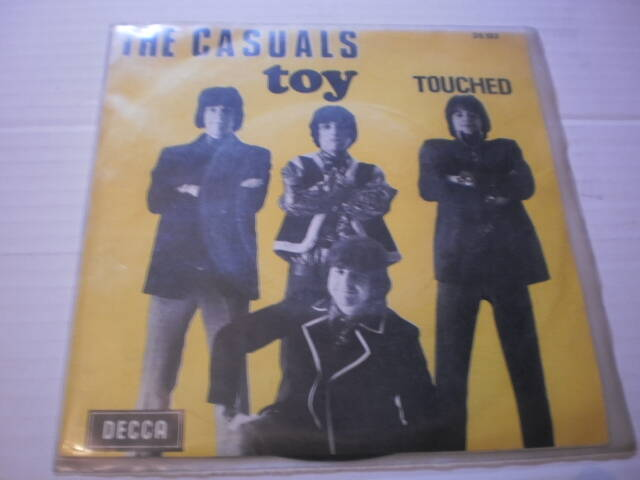 Single The Casuals - Toy / Touched