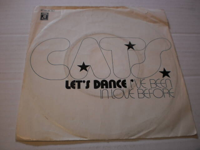 Single The Cats - Let's dance / I've been in love before