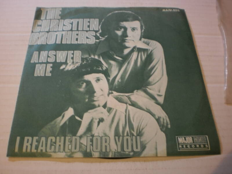 Single The Christien Brothers - Answer me