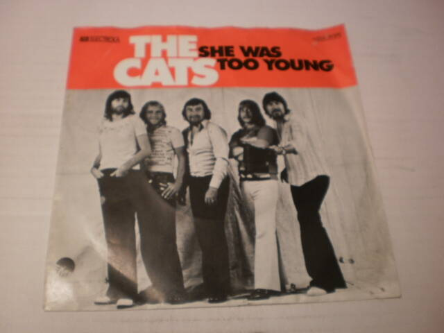 Single The Cats - She was too young