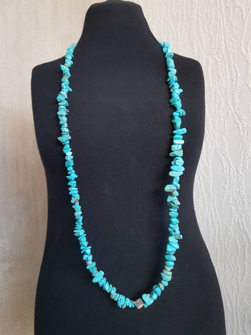 Turquoise chips ketting lang