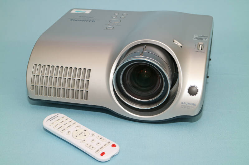 Hitachi PJ-TX100 Home Cinema beamer 1200 ANSI Lumen