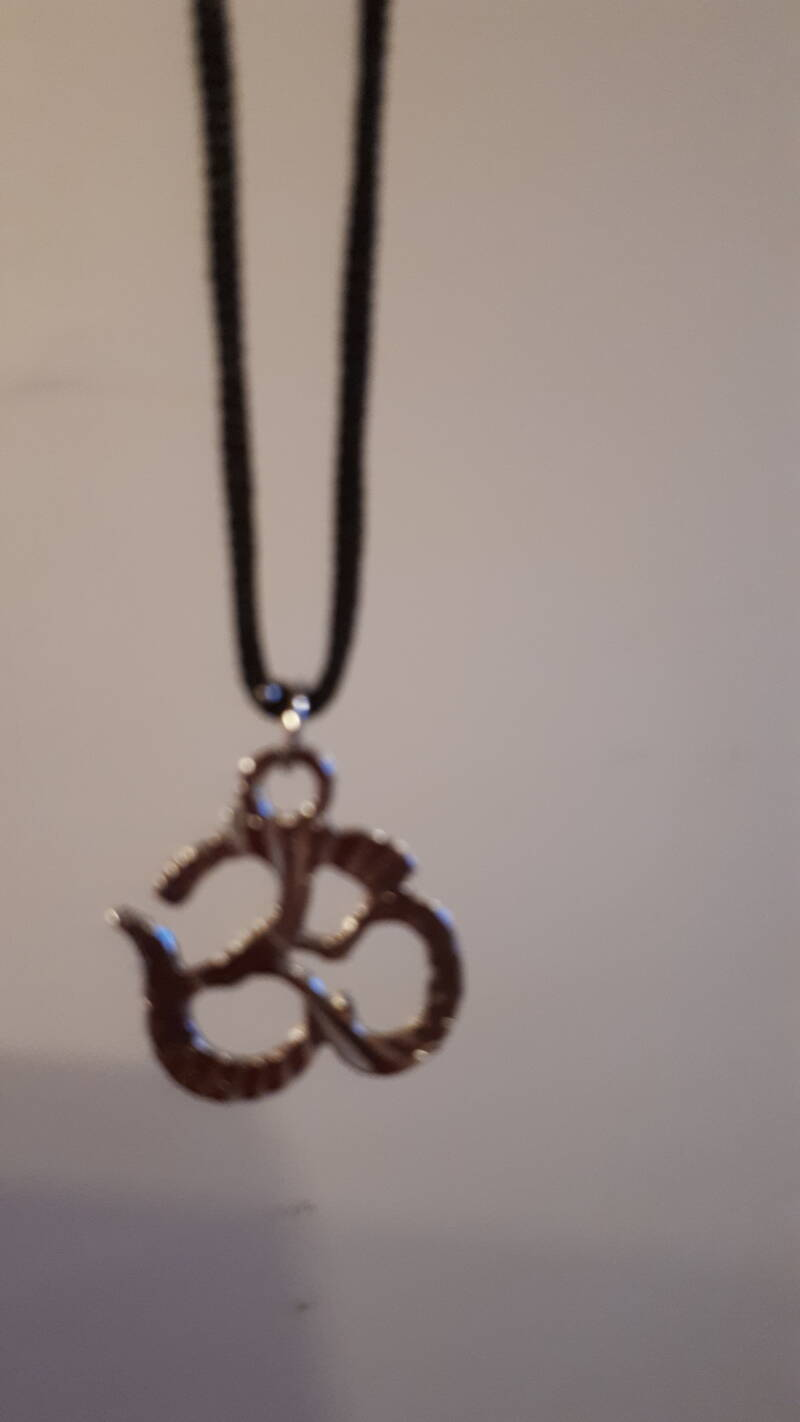 Silver Indian Ohm necklace