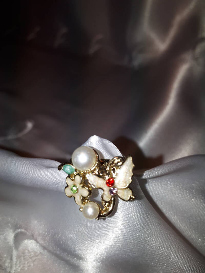 Multi colour ring with flower & butterfly design