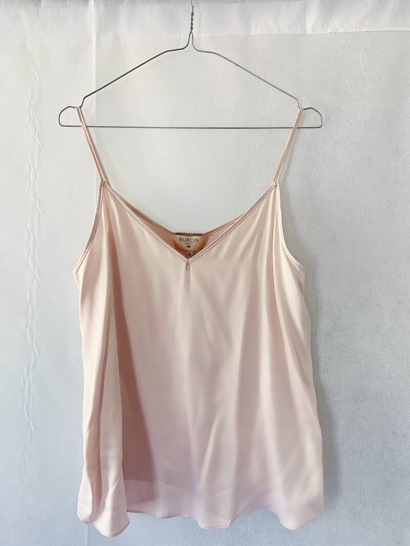 Romantic top by Burcin poeder roze