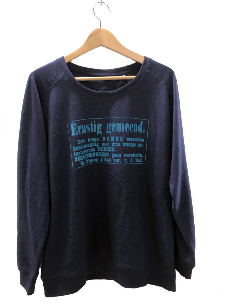 Sweater -Advertentie Ernstig- Heather Indigo. Maat XL. Lovely Lady