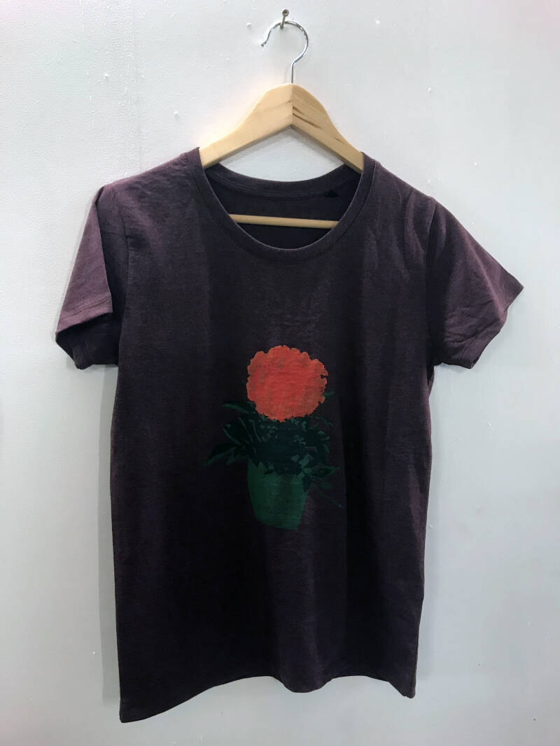 T-shirt -Afrikaantje- Heather Oxblood. Maat L. Lovely Lady.