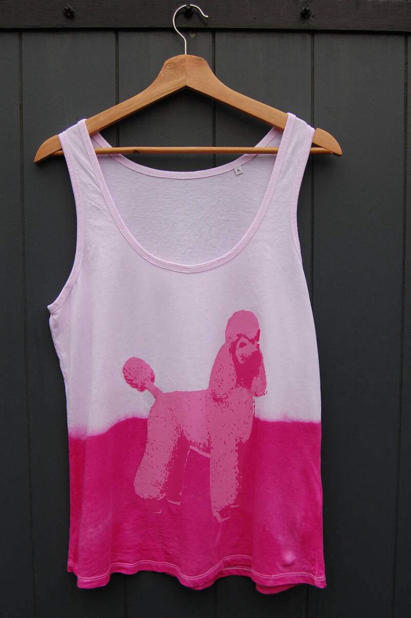 Singlet -Power Poedel- Maat XL. Magenta Tie-Dye. Lovely Lady