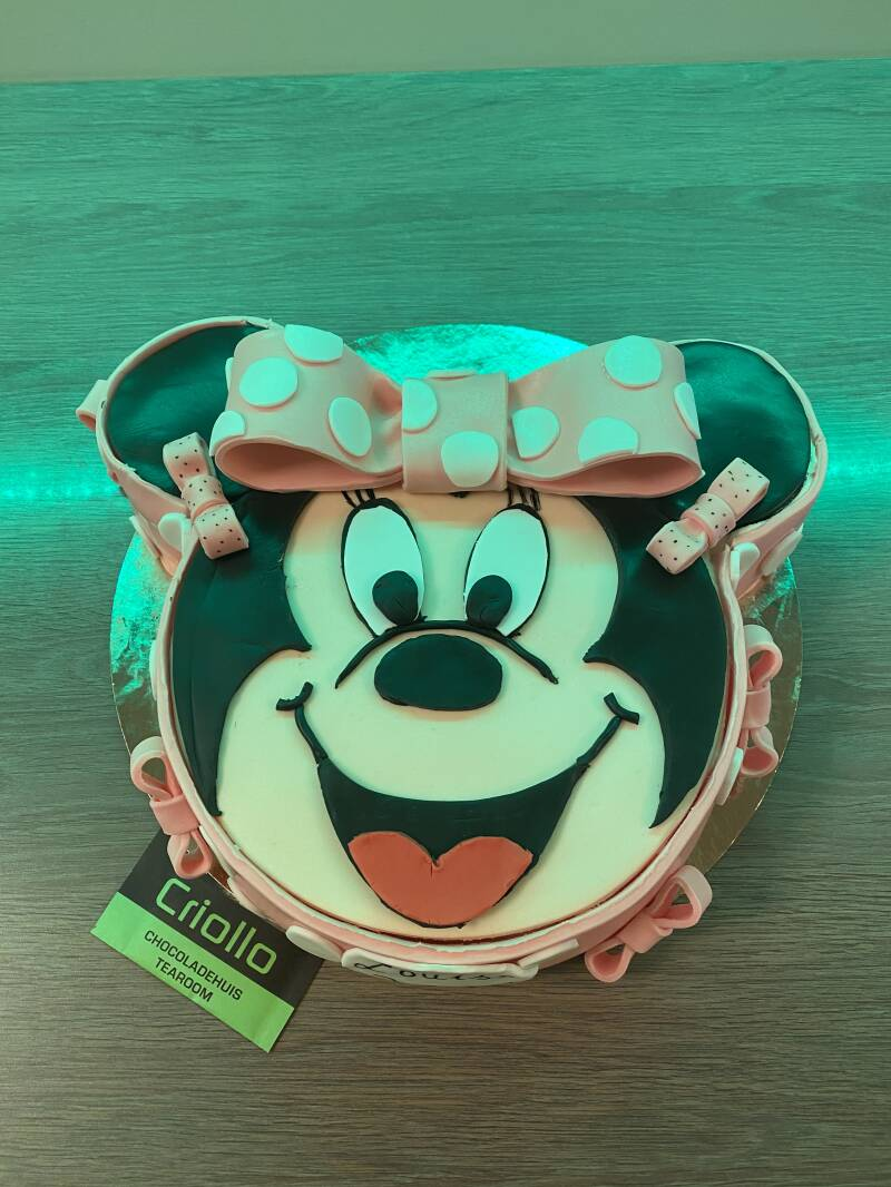 Minnie of Mickey Mouse taart
