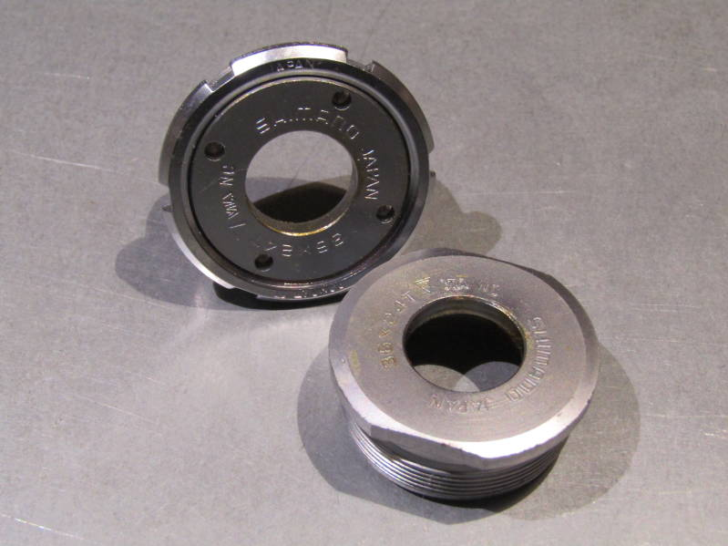 SHIMANO 105 ITALIAN Thread Bottom Bracket cup set With ORIGINAL SHIMANO LOCK RING NOS! BXC00D7
