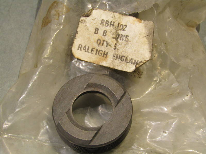 RALEIGH ( RBH 102  ) Right Side Bottom Bracket Fixed Cup NOS! BXC00D7