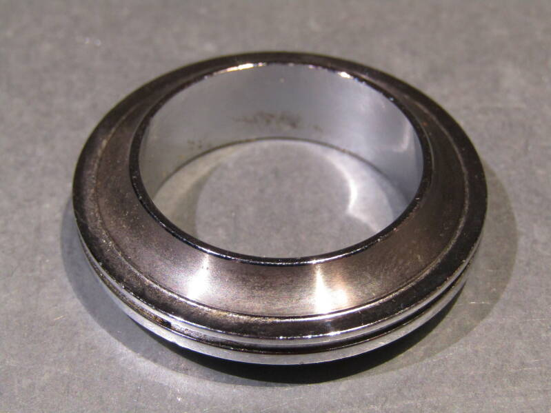 CAMPAGNOLO VICTORY / NUOVO RECORD Headset Lower Fixed cup bearing race NOS! BXC00E5