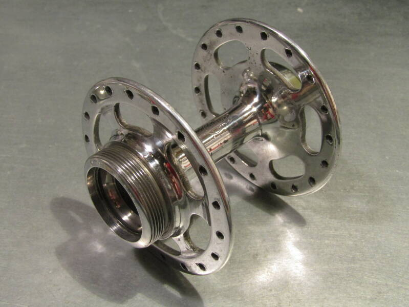 CAMPAGNOLO NUOVO RECORD HF 36o ITALIAN Thread hub shell 2nd hand BXC00L28 5551 - 23/1/21 RK13