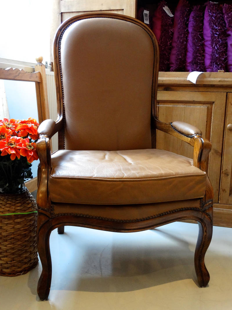 Oude fauteuil, Chesterfield style