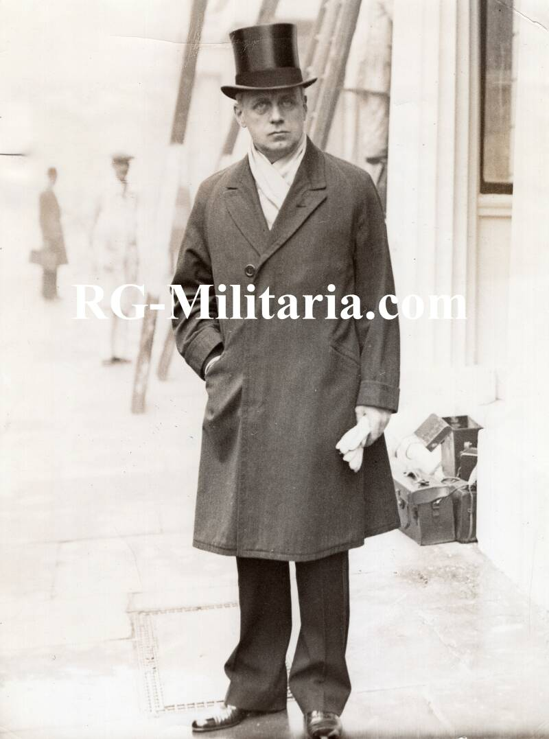 Press photo - von Ribbentrop goes to Buckingham Palace 30th of October 1936