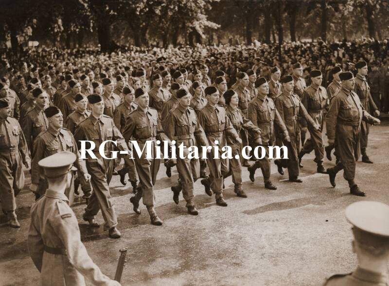 Press photo - 20.000 national service volunteers in Hyde park London