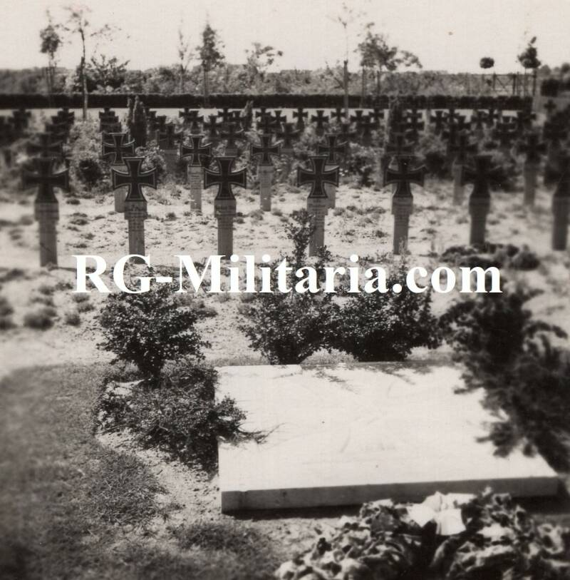 Photo - German graves in Holland (Eindhoven?)