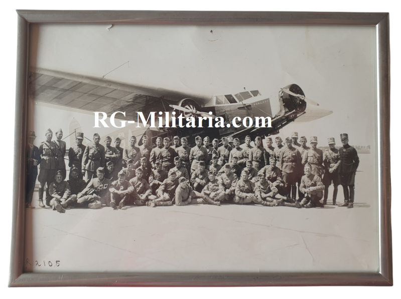 Photo - Dutch soldiers with a Fokker airplane