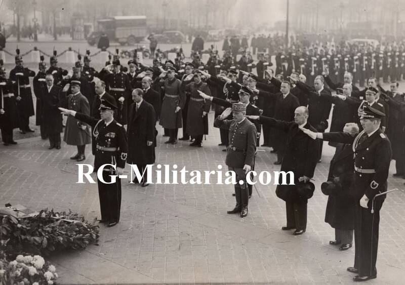 Press photo - Ribbentrop honouring the unknown soldier 1938