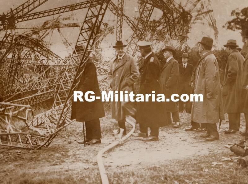 WW1 press photo sighting of a crashed zeppelin