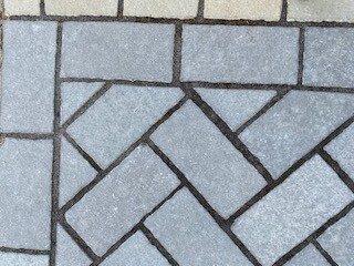 T-Grey Limestone Setts - Tumbled