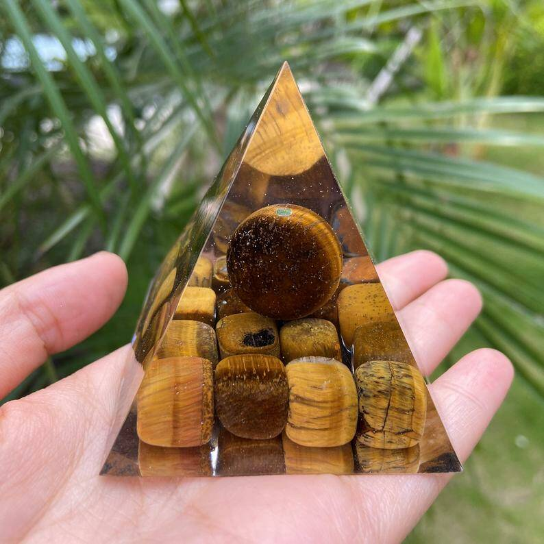 tijgeroog piramide orgonite
