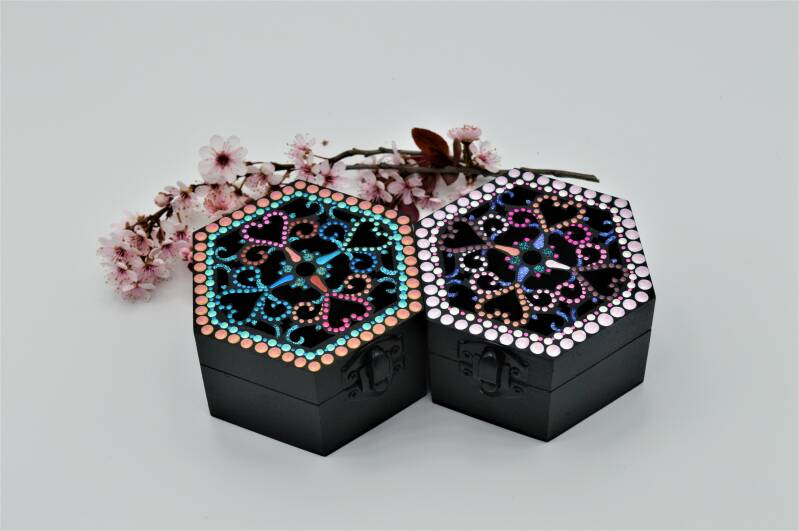 Doosje zeshoekig / Little box hexagonal