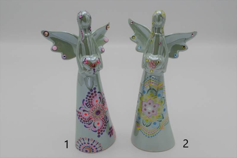 Engel van keramiek (middel) / Ceramic angel (medium)