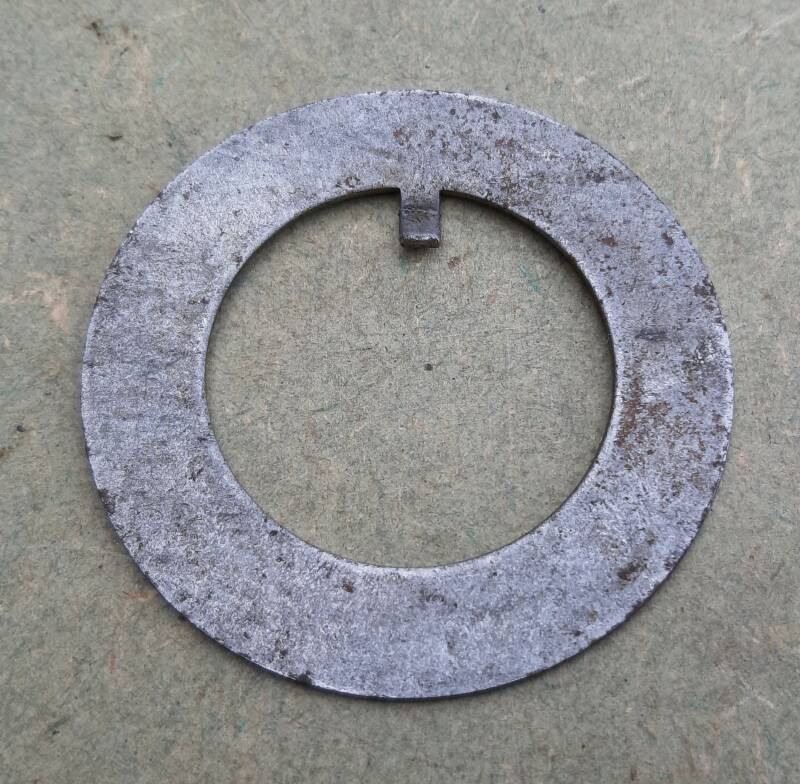 G508 Lock, front axle pinion outer bearing adjusting nut
