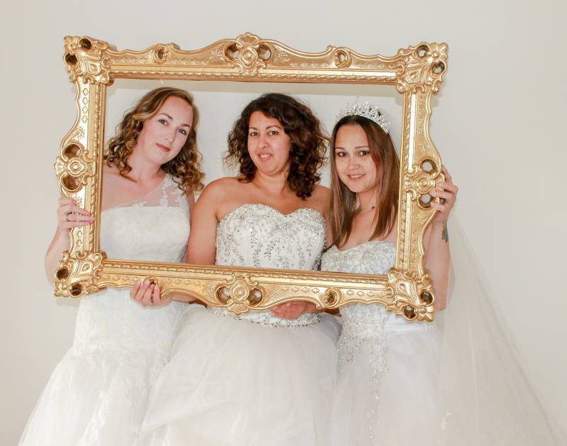 Friends Bridal Arrangement + High Tea voor 3 personen