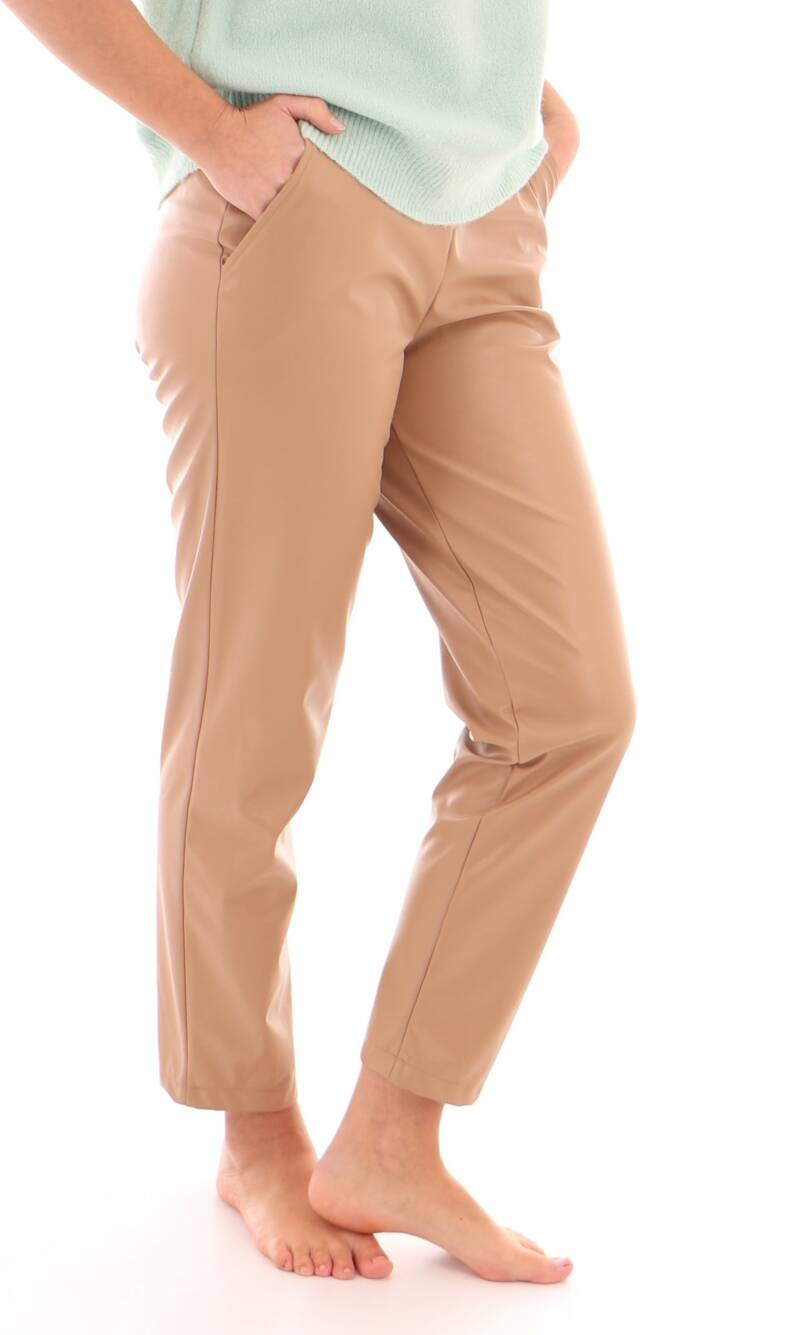 Beige leatherlook broek