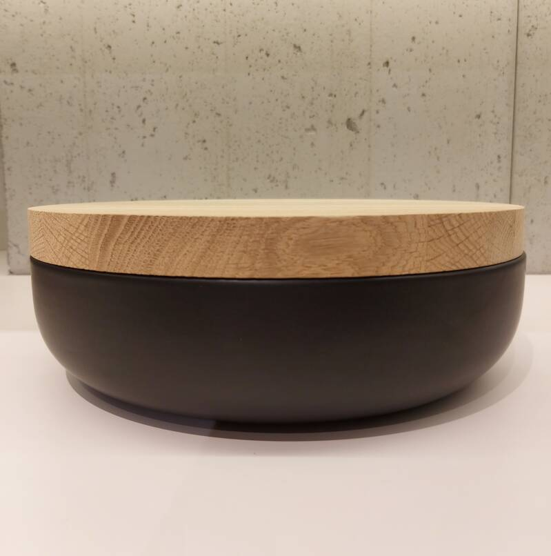 Wow VVD-pottery large black ø30 / oak lid 3073