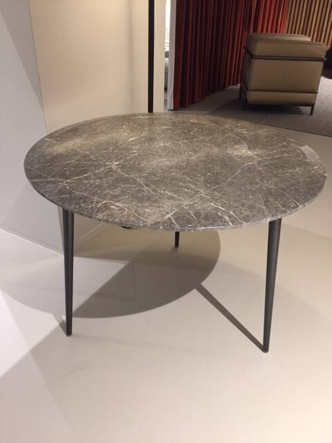 Molteni Belzise low dining table  - showroommodel 2021