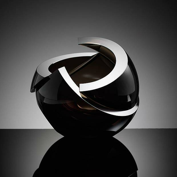 Anna Torfs Armadillo sphere black clear