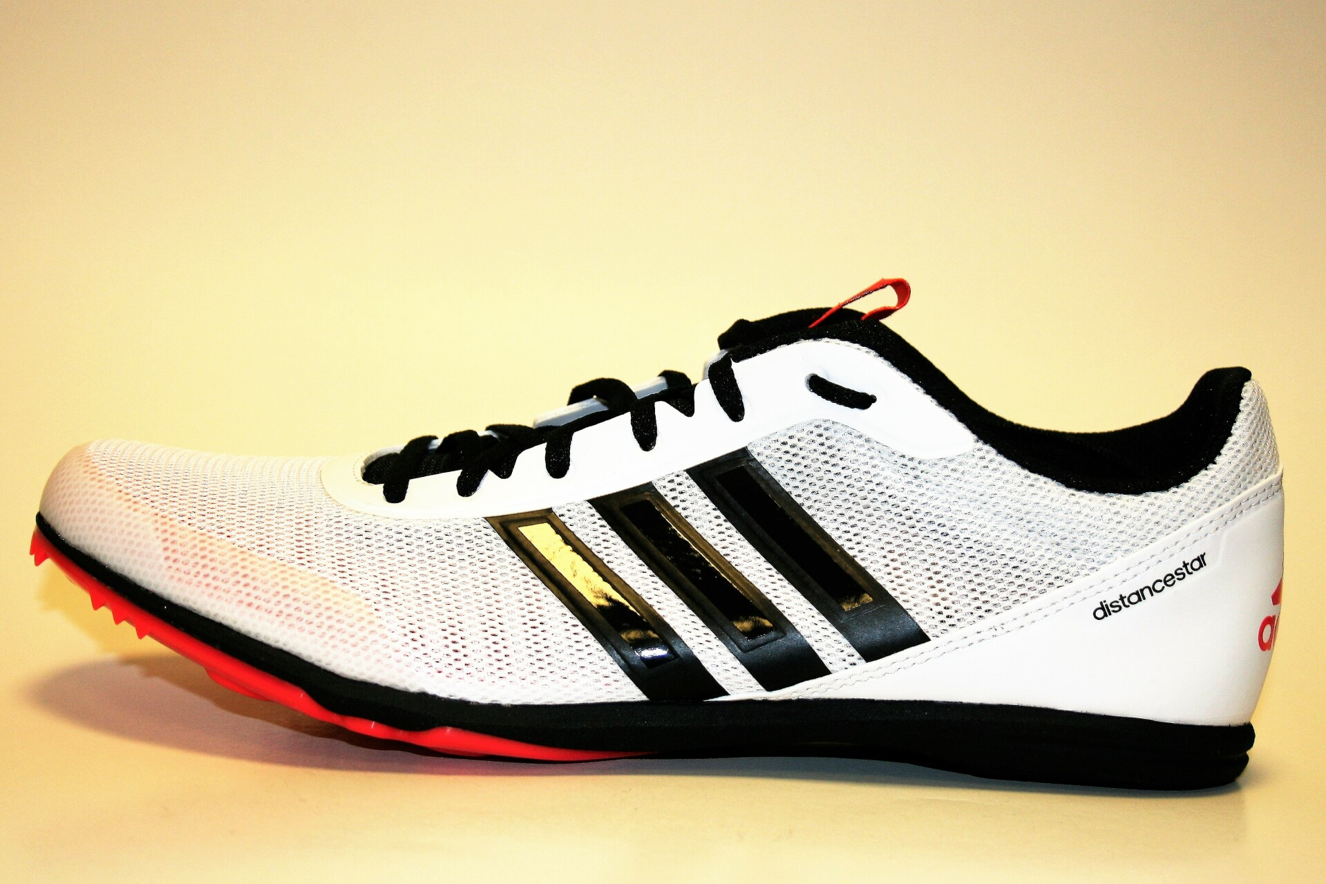 7aaf2e5a389 Adidas Distancestar wit (Allround) - Atletiekspikes.nl