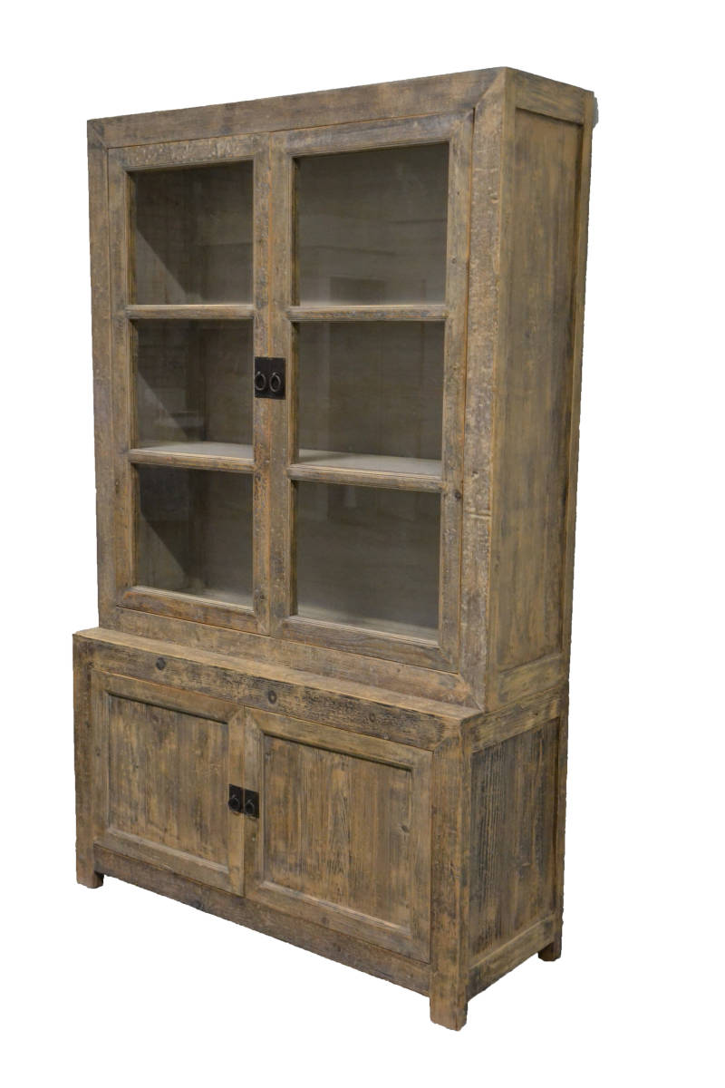 (9) Oude Chinese glas kast 136cm. breed