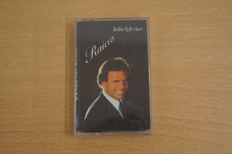 Audiocassette - Julio Iglesias - Raices