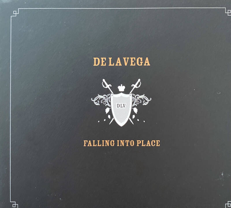 CD - De La Vega - Falling into place