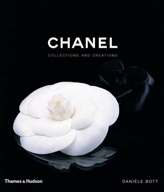 Coffeetable book   Chanel Collections and Creations
