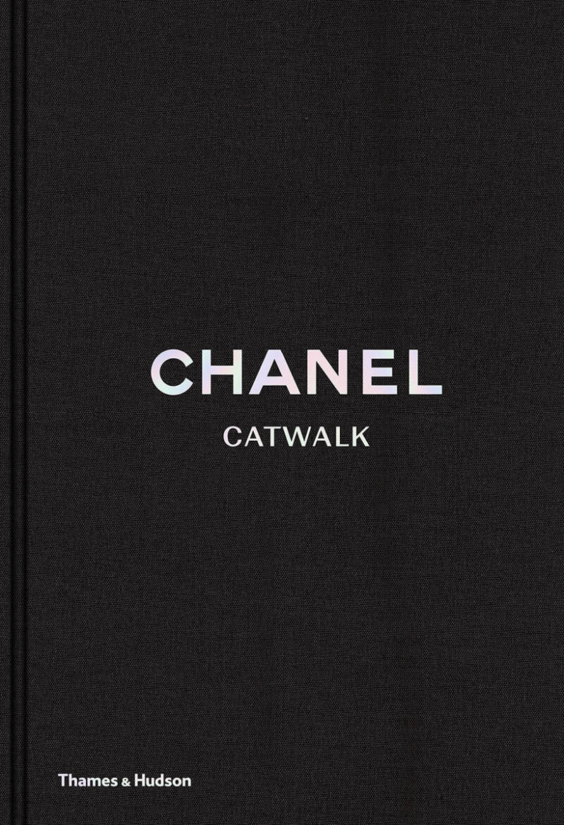 Coffeetable book | Chanel Catwalk