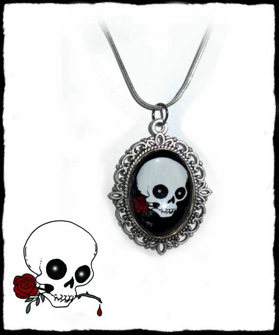 Necklace Skull with a rose