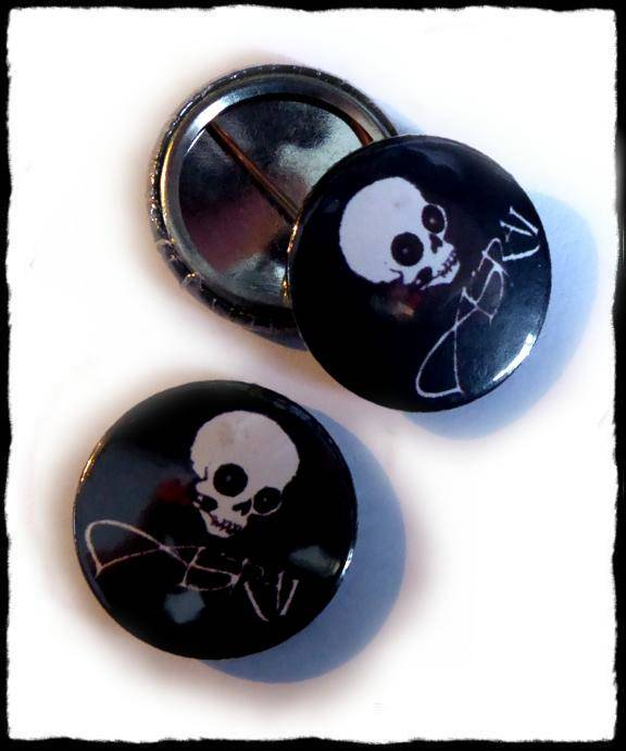 Button Skull with a rose